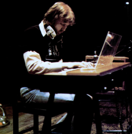 Harry Nilsson (1974).png