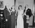 Harry S Truman, Gabriel Gonzalez Videla, and their wives (1950).png