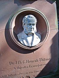 Heinrich Dittmar Grabstein.JPG