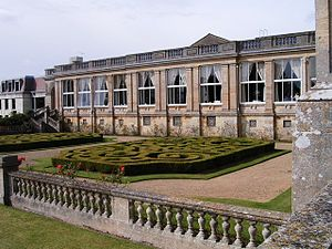 Heythrop Park - Heythrop Park. The twentieth century saw the house extended for institutional use. Some contrasting architectural styles were employed.