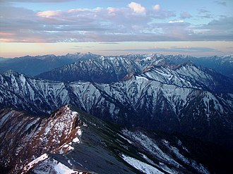 Hida Mountains - Image: Hida Mountains from Mount Kashimayari 2003 11 02