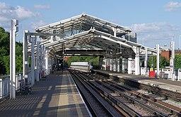 Hillingdon tube station MMB 15