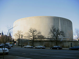 Gordon Bunshaft - Exterior of the Hirshhorn Museum, facing Independence Avenue