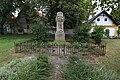 Hlavenec pomnik.jpg