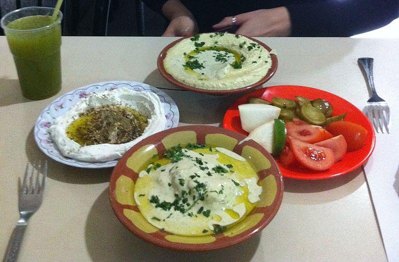 File:Hummus in Jerusalem (12149615304).jpg