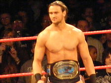 Drew McIntyre jako Intercontinental šampion.