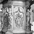 INT. PREEKSTOEL, TIMMERMANSGEREEDSCHAPPEN (HOUTSNIJWERK), DETAIL - Pieterburen - 20311041 - RCE.jpg