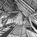 Interieur, overzicht houten kapconstructie, tijdens verbouwing - Dinther - 20336446 - RCE.jpg