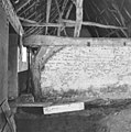 Interieur, schuur, dwarsmuur van zonnebaksteen - Sint-Oedenrode - 20001808 - RCE.jpg