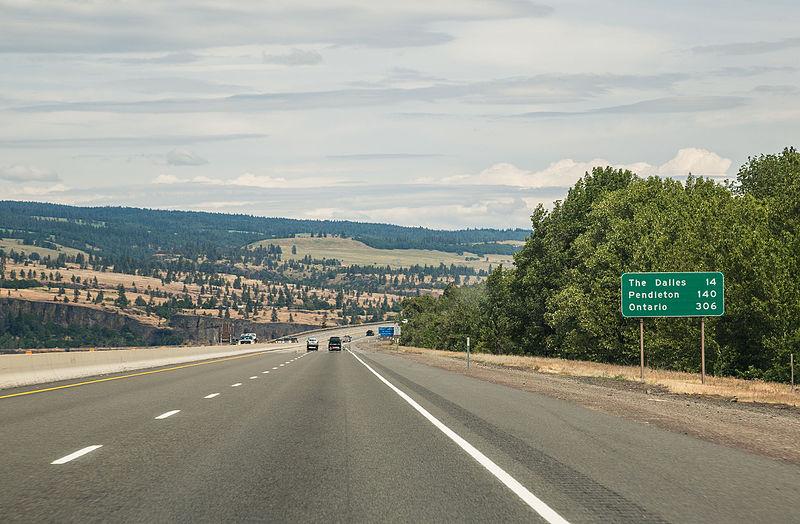 File:Interstate 84 (19722467496).jpg