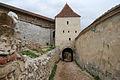 Intre zidurile cetatii Rasnov.jpg