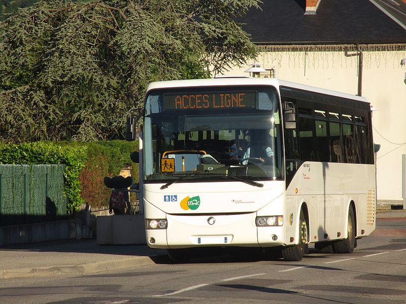 The Irisbus Récréo n°20344 of Transdev Rhône-Alpes Interurbain, on the line 11 of the Stac (Pragondran, Verel-Pragondran↔Collège de Maistre, Saint-Alban-Leysse), in Saint-Alban-Leysse on May 16, 2017.