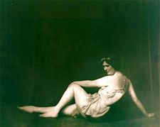 Isadora Duncan studies 4.jpg
