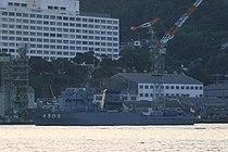 JS Amakusa (AMS-4303) at Nagasaki, -28 Sep. 2007 b.jpg