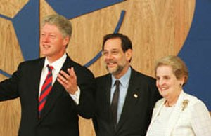 Javier Solana - Solana with Bill Clinton and Madeleine Albright, 1999