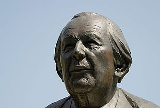 Jean Piaget - Bust of Jean Piaget in the Parc des Bastions, Geneva