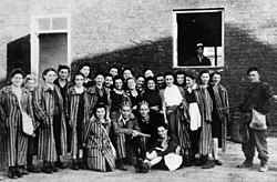 Jewish prisones of KZGesiowka liberated by Polish Soldiers of Home Army Warsaw1944.jpg
