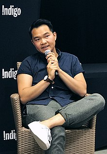 Jonny Sun at In Conversation at Indigo Chapters - 2017 - IMG 2958 (cropped).jpg