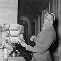 Josephine Baker in Amsterdam, Bestanddeelnr 906-3469.jpg