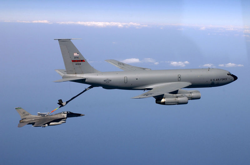 File:KC135 refueling.jpg