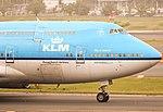 KLM Boeing 747-400 PH-BFI nose section (10205055606).jpg