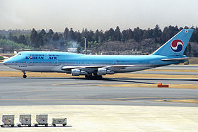 KOREAN AIR Boeing 747-3B5 (HL7468 22487 605) (5687222614).jpg