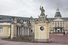 Karlsruhe, das Schloss.JPG