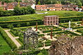 Kenilworth Castle Gardens (9746).jpg
