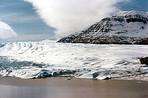 Cook Ice Cap - Glacier terminus at the southern end.