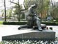 Kolobrzeg-pomnik-Sanitariuszki-l-080428-062.jpg