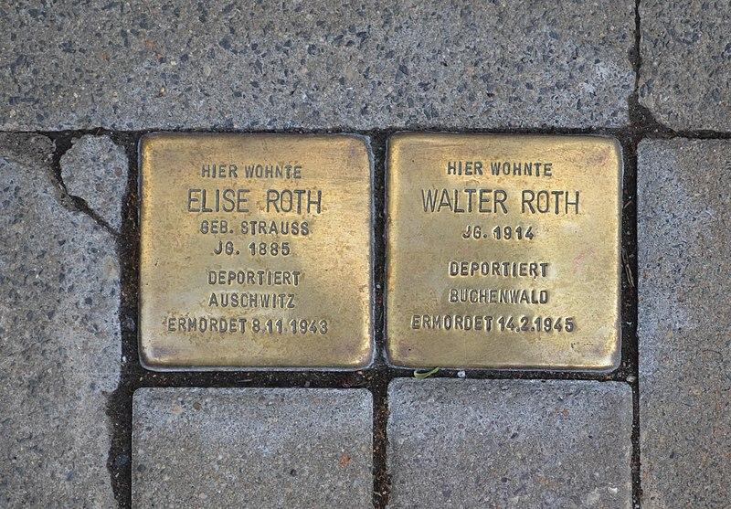 File:Kronberg, Eichenstraße 28, Stolpersteine.JPG