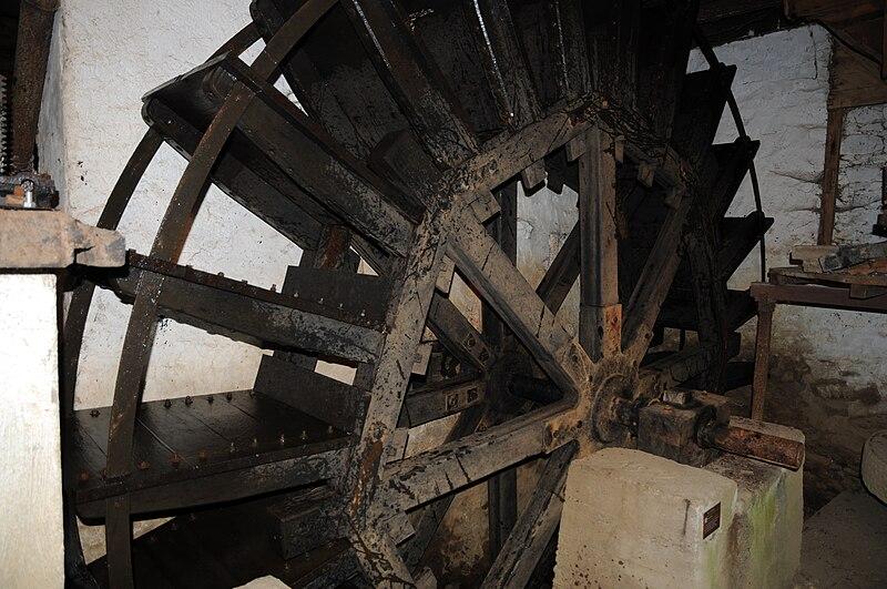 fichier la roue aubes du moulin de rambourg photo la roche sur yon agglom ration j auvinet. Black Bedroom Furniture Sets. Home Design Ideas