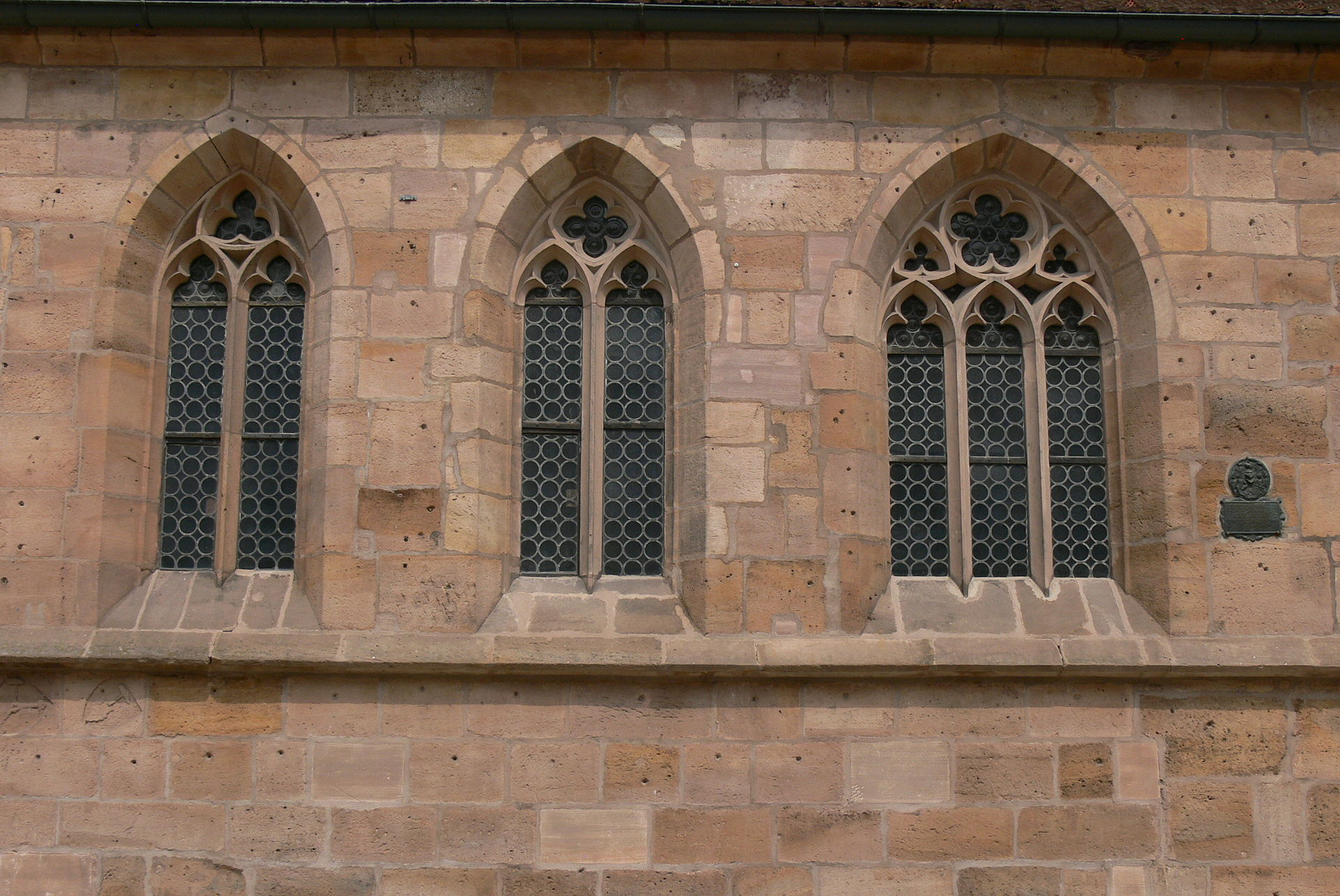 1920px-Langenzenn_Stadtkirche_-_Fenster.jpg