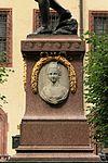 Leipzig - Naschmarkt - Goethe-Denkmal 03 ies.jpg