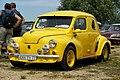 Locomotion en fête 2009 - Renault 4CV jaune.jpg