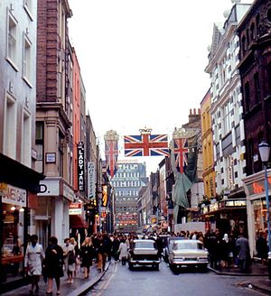 Lady Jane (boutique) - London: Carnaby Street (1968) with Lady Jane fashion boutique on left side