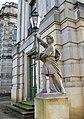 Ludwigslust Schloss Laterne Skulptur 2010-10-29 067.JPG