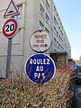 Lyon 9e - Anciens panneaux propriété privée et roulez au pas (fév 2019).jpg