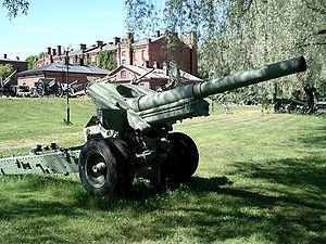 152 mm howitzer M1938 (M-10) - M-10 in Hämeenlinna artillery museum, Finland
