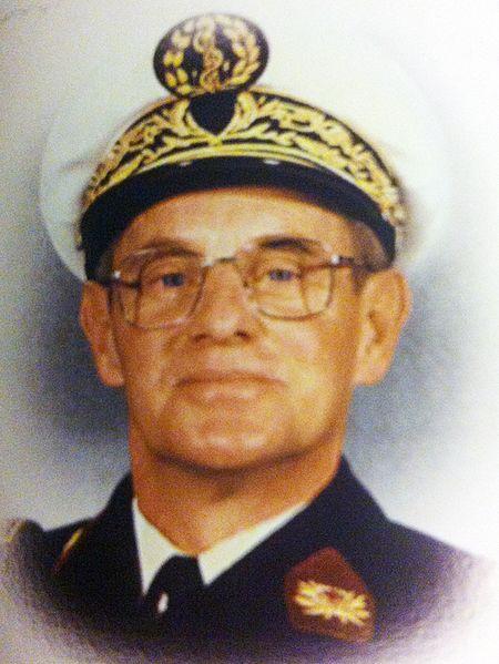 Médecin chef des services Claude Gateff en 1989