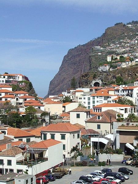 File:Madeira - Camara De Lobos (2093422734).jpg