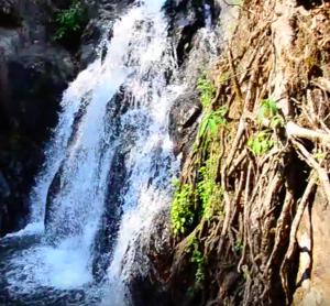 Mae Koeng Waterfalls - Image: Mae Koeng Waterfalls