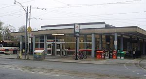 506 Carlton - Main Street Station is the eastern terminus of the 506 Carlton streetcar