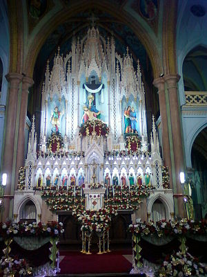 Basilica of Our Lady of Dolours, Thrissur - Image: Main alter