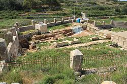 Malta - Mgarr - Triq Ghajn Tuffieha - Roman Baths 10 ies.jpg