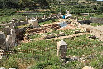 Għajn Tuffieħa Roman Baths - Image: Malta Mgarr Triq Ghajn Tuffieha Roman Baths 10 ies