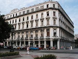 Gran Hotel Manzana Kempinski La Habana - Image: Manzana Gomez, Centro Habana April 2003