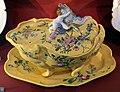 Marsiglia, terrina forma di conchiglia su vassoio, 1765-70 ca..JPG