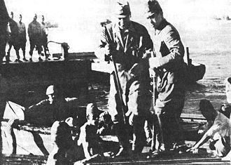 Japanese Fourteenth Area Army - General Homma comes ashore at Lingayen Gulf