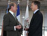Mauricio Macri junto a Bertrand Delanoë, alcalde de París (8534890230).jpg
